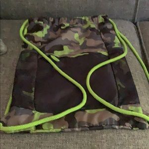 Lands End Camo cinch sac